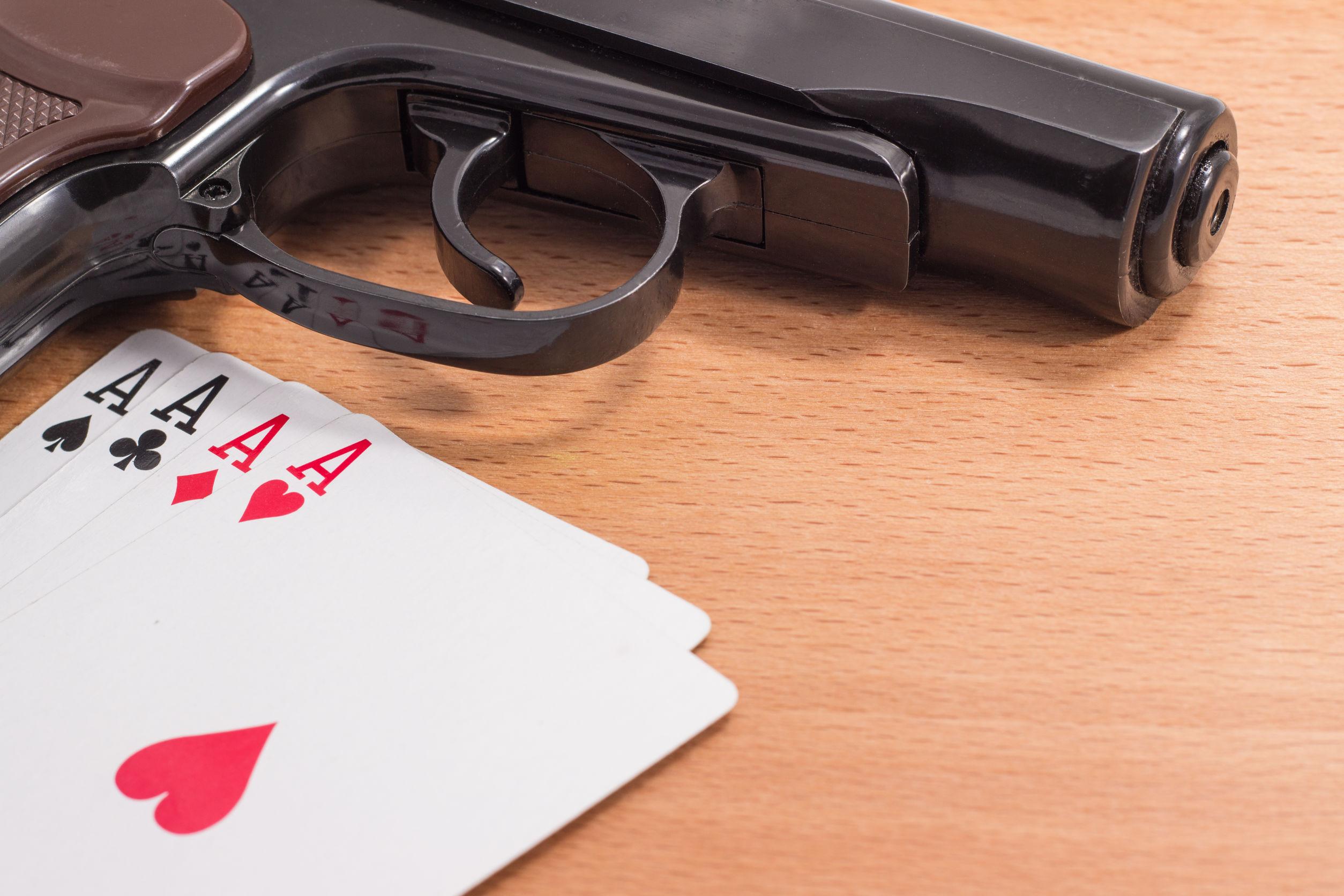 Handfeuerwaffe mit 4 verschiedenen Assen