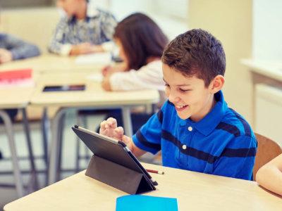 Schüler nutzt Tablet im Schulnetzwerk um illegal Cryptowährung zu erwerben